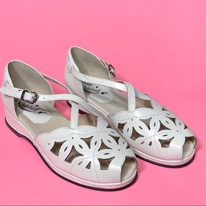 Rocket Originals Cream 1940s Vintage Style Sandal
